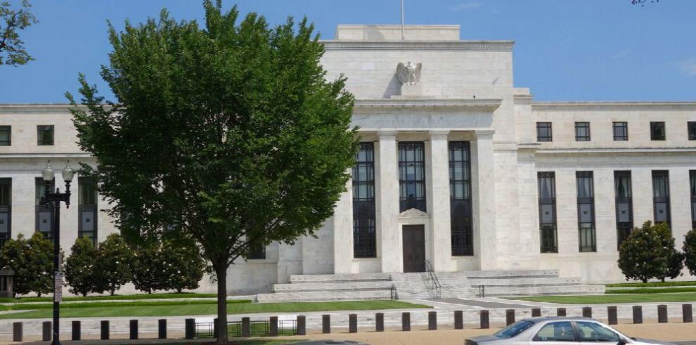 Banca, afectada por decisión de la FED