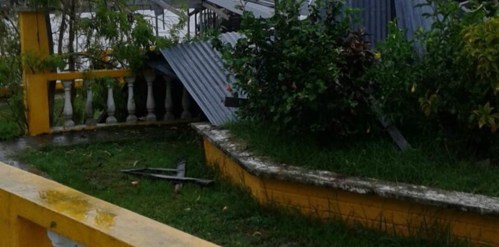 Mal tiempo azota a isla Taboga