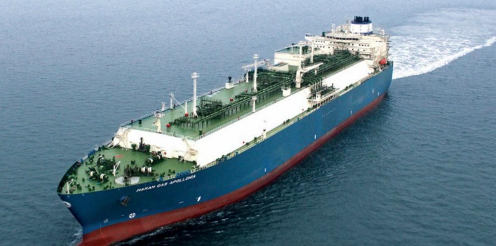 Primer buque de gas natural licuado atravesará el Canal de Panamá