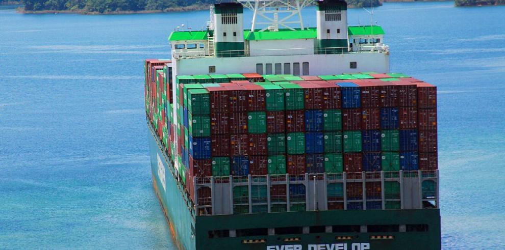 La actividad en el Canal y en el sistema portuario se desploma