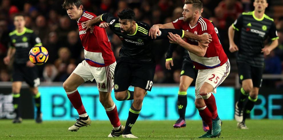 Diego Costa pone líder al Chelsea