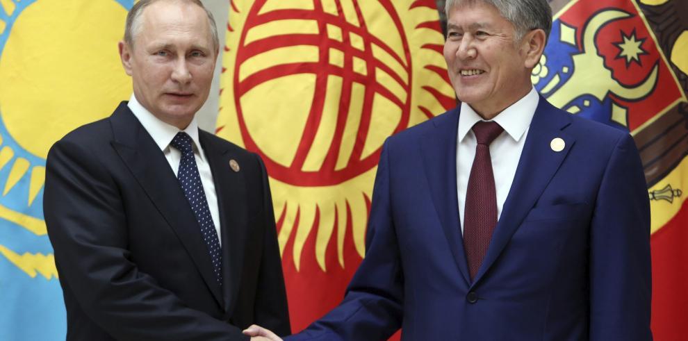 Putin arremete contra el dopaje de atletas de EEUU