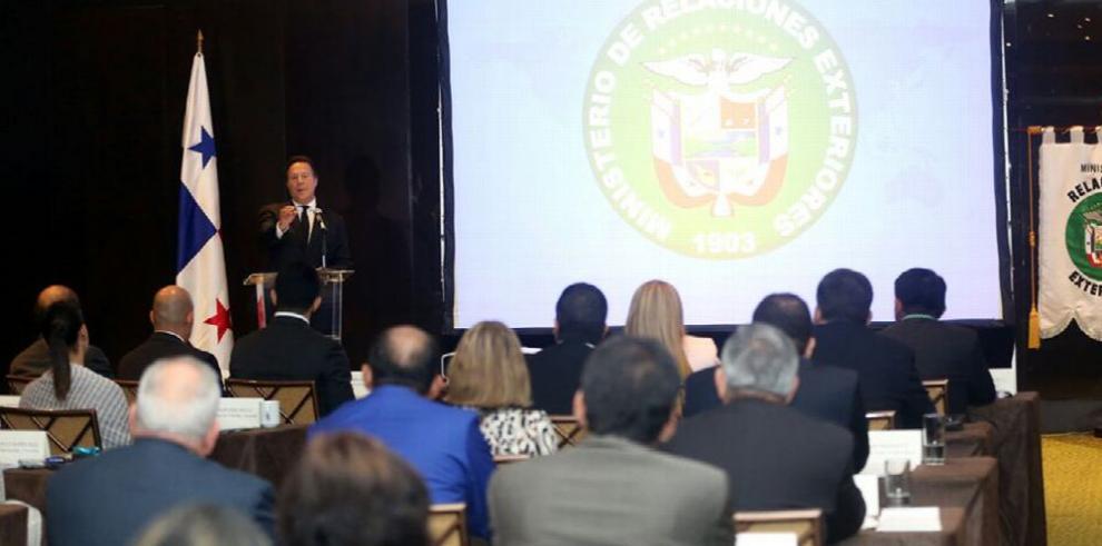 Varela abordará seguridad con Santos y Solís