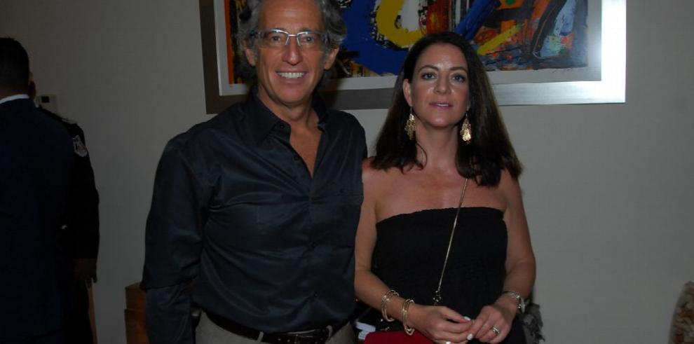 Homenaje a ex becarios panameños