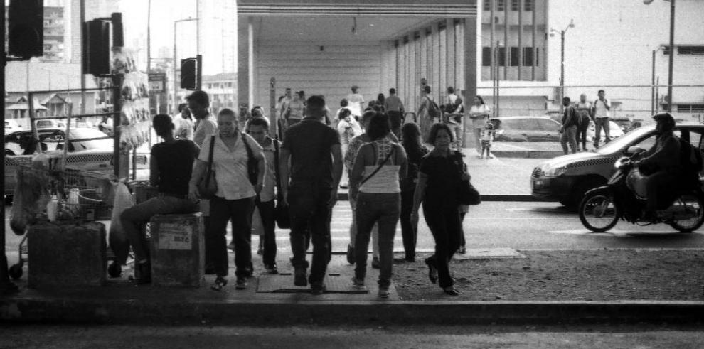 Vidas en marcha, crónica de viaje en el Metro de Panamá