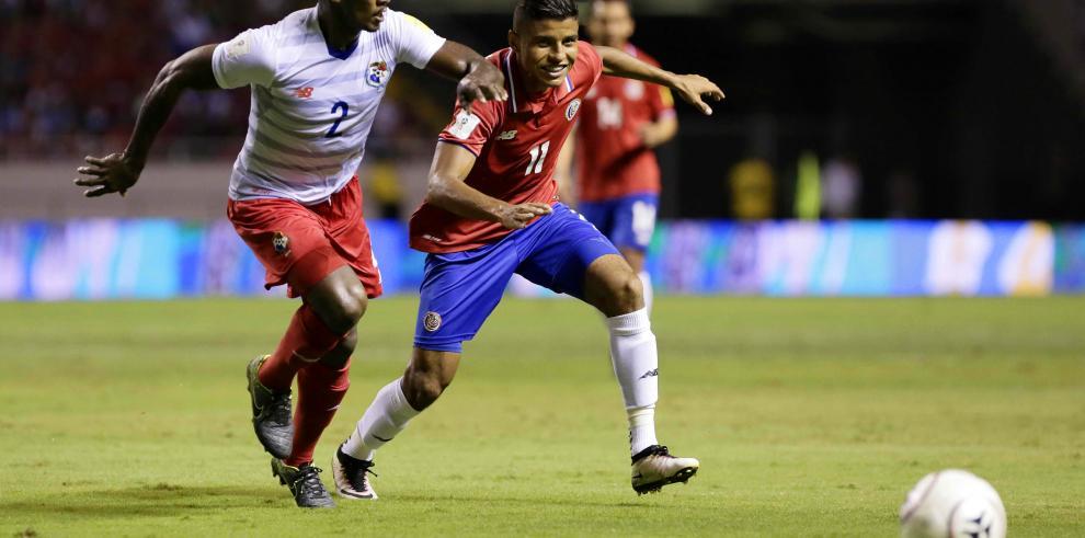Costa Rica vence a Panamá 3-1 y cierra como líder invicto