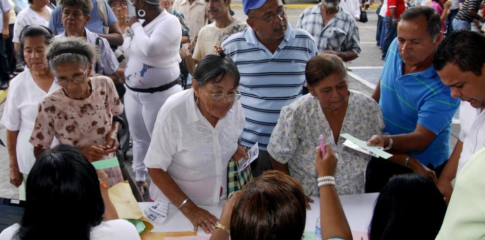 ARENA insiste en que nacionalizados tienen derecho a '120 a los 65'
