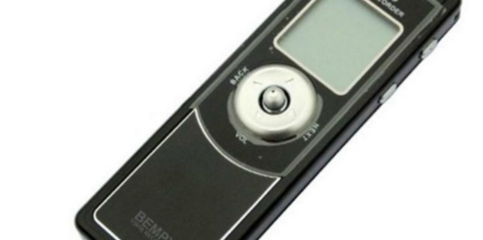FBI plantó pequeñas grabadoras en carpetas para espiar a rusos en EEUU
