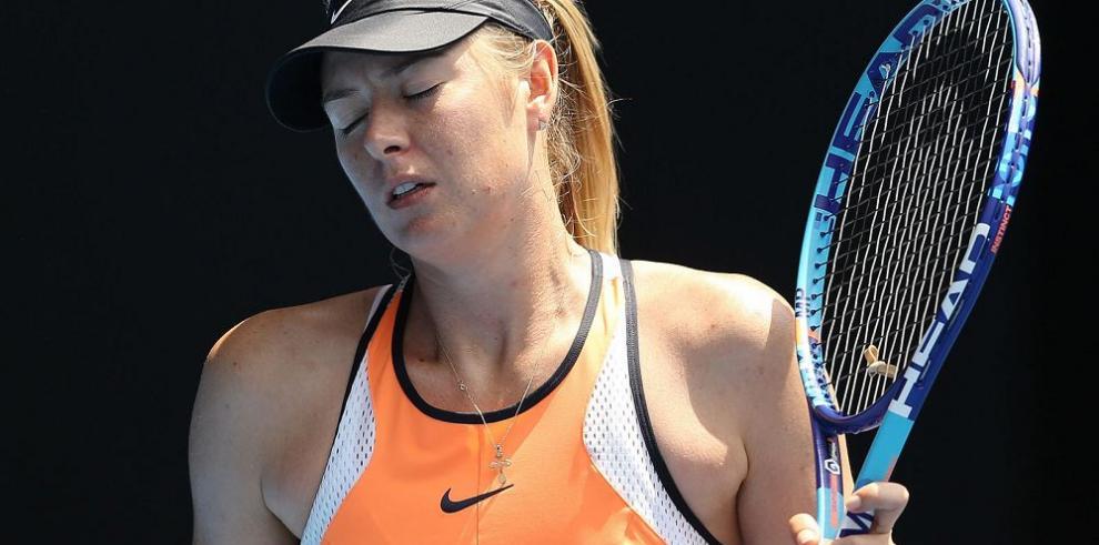 Mientras ve caer sus acciones Sharapova piensa en cooperar
