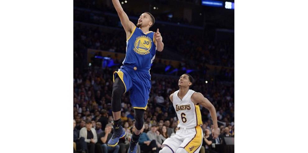 Los jóvenes Lakers dan sus mejores sensaciones