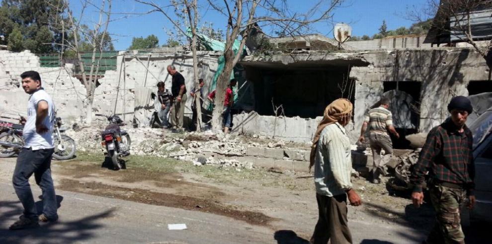 Decenas de familias huyen de Alepo, Siria