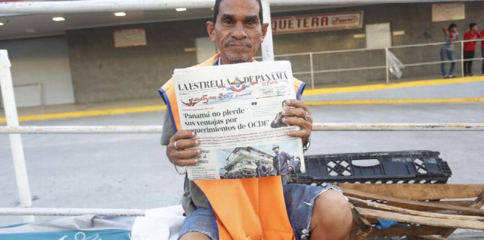 Un día en honor de los vendedores de diarios