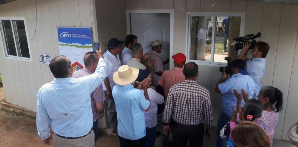 Miviot entrega 390 viviendas del programa Techos de Esperanza