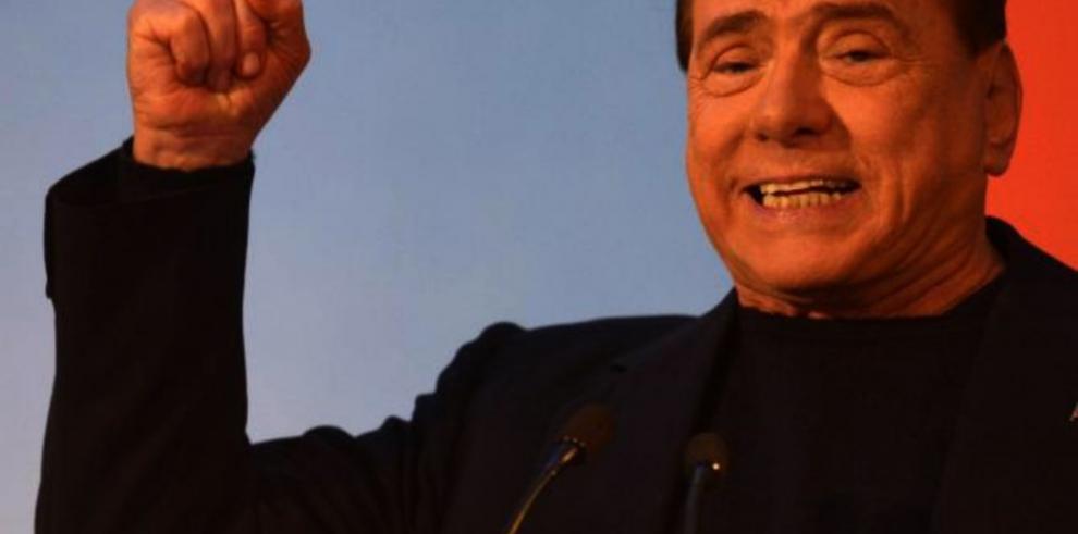 Berlusconi confirma que negocia vender el Milan con inversores chinos