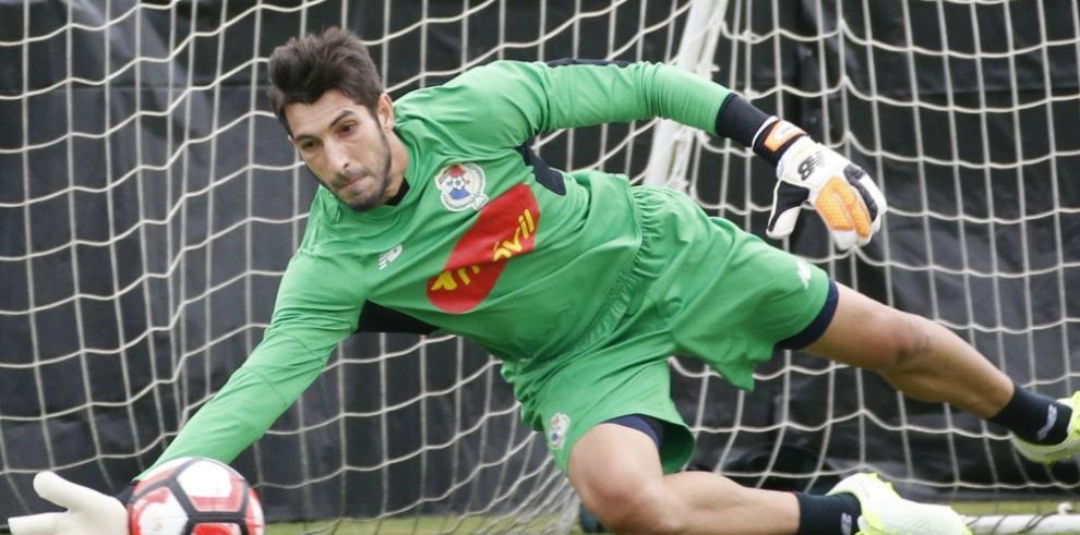 Saprissa anuncia finiquito de contrato con Jaime Penedo