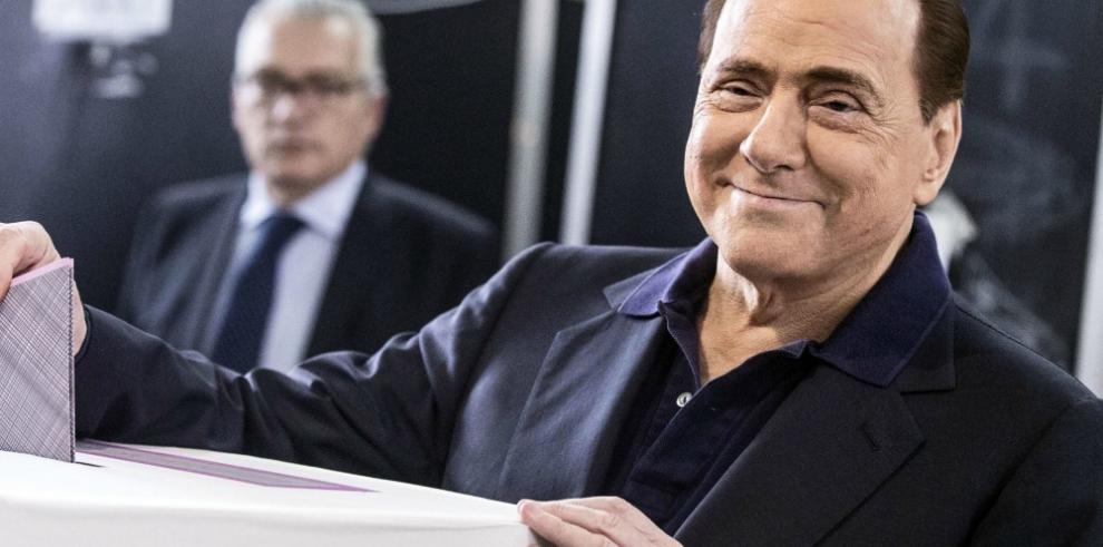 Hospitalizan a Berlusconi, tras sufrir insuficiencia cardiaca
