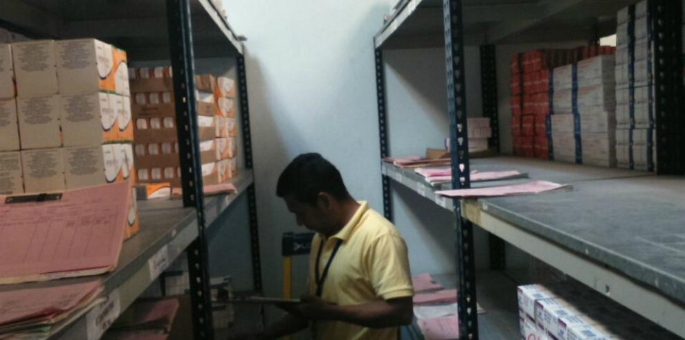 Contralor asegura que se harán excepciones para comprar medicamentos