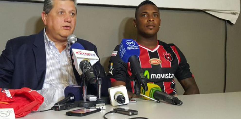 Cummings es oficialmente jugador delAlajuelense de Costa Rica