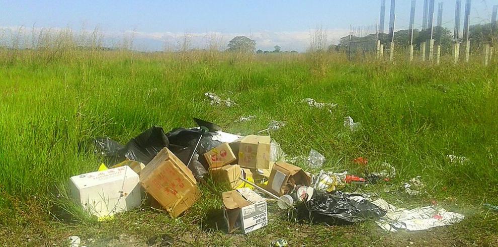 """Proyectos """"de riesgo"""", entre basura y herbazales"""