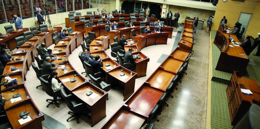 Varela pide a la Asamblea combatir a los