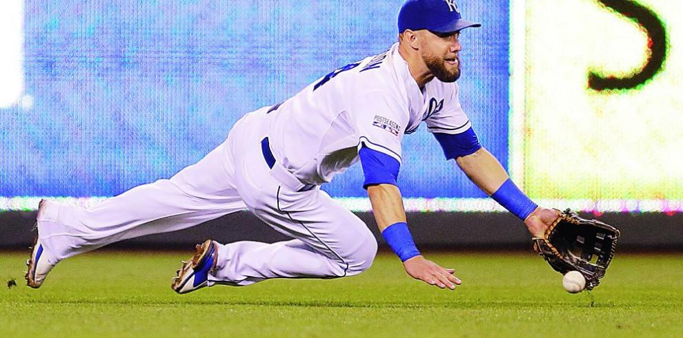 Alex Gordon decide quedarse con Kansas
