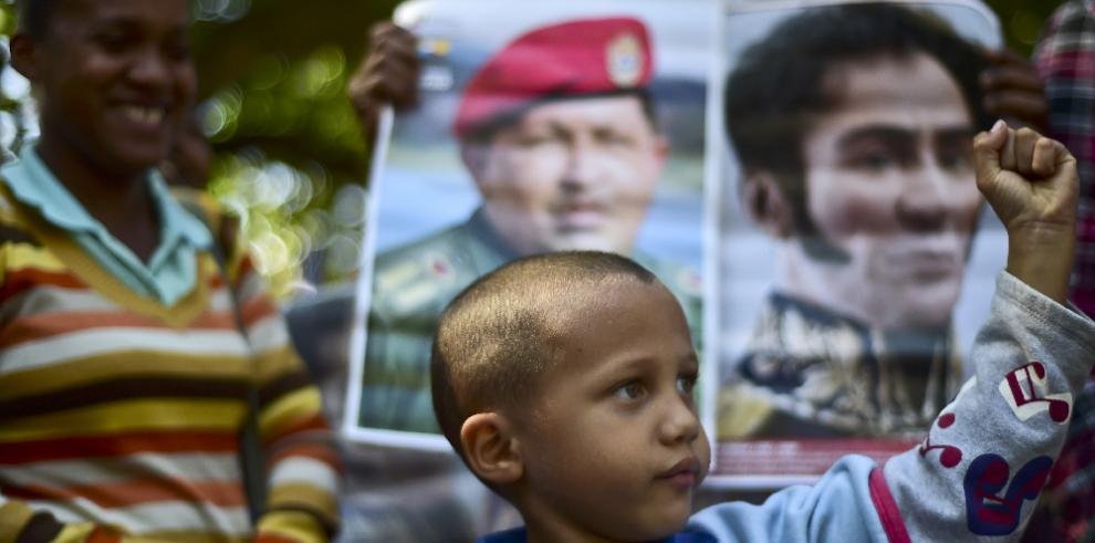 Chavismo colocará imágenes de Chávez y Bolívar en el centro de Caracas