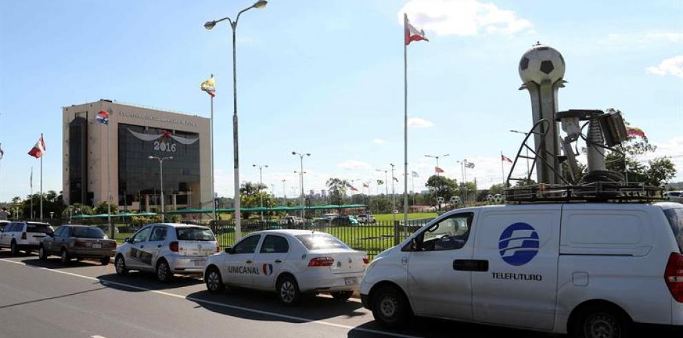 La Fiscalía paraguaya allana sede de la Conmebol a pedido deEEUU