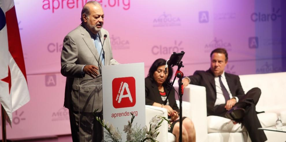 Carlos Slim lanza plataforma educativa gratuita en Panamá