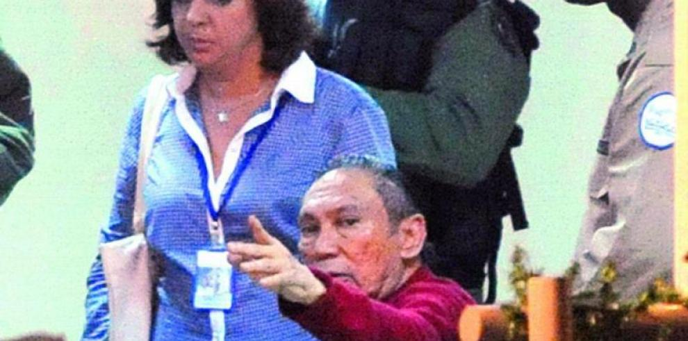 Manuel Antonio Noriega es evaluado en el Instituto de Medicina Legal