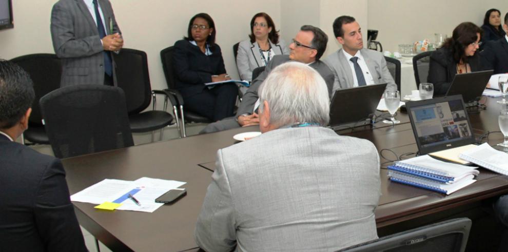 Panamá busca ofrecer educación superior basada en demanda laboral
