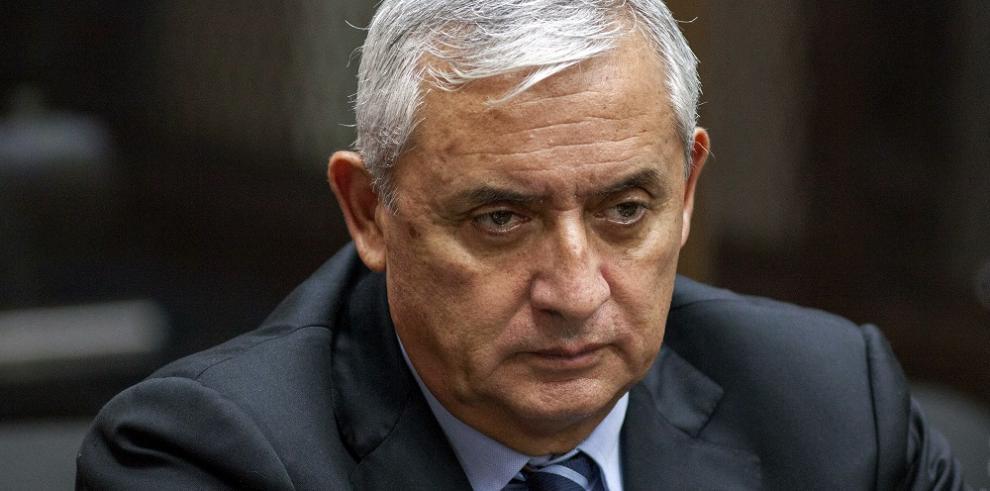 Renuncia uno de los abogados del Pérez Molina por falta de pago