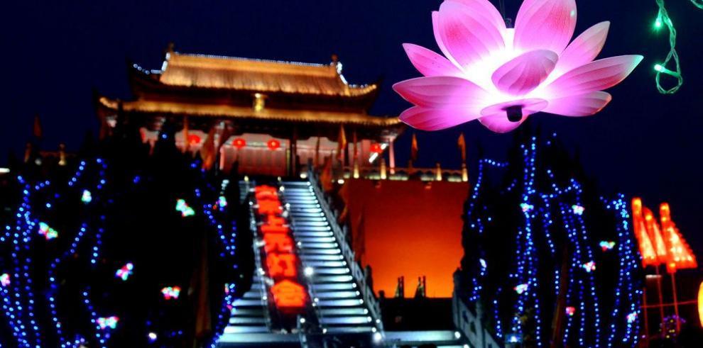 Explosión de color en el Festival de las Linternas