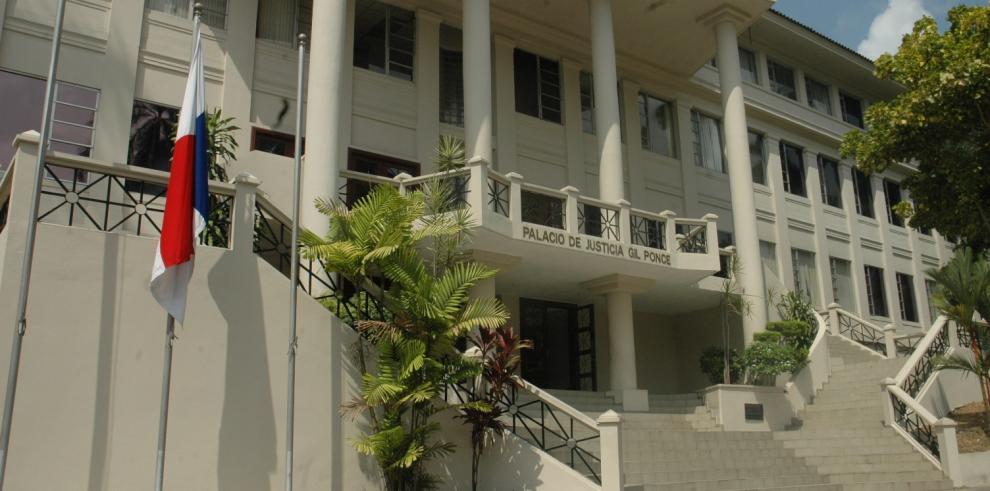 Asamblea pide denuncia formal para investigar irregularidades en la CSJ