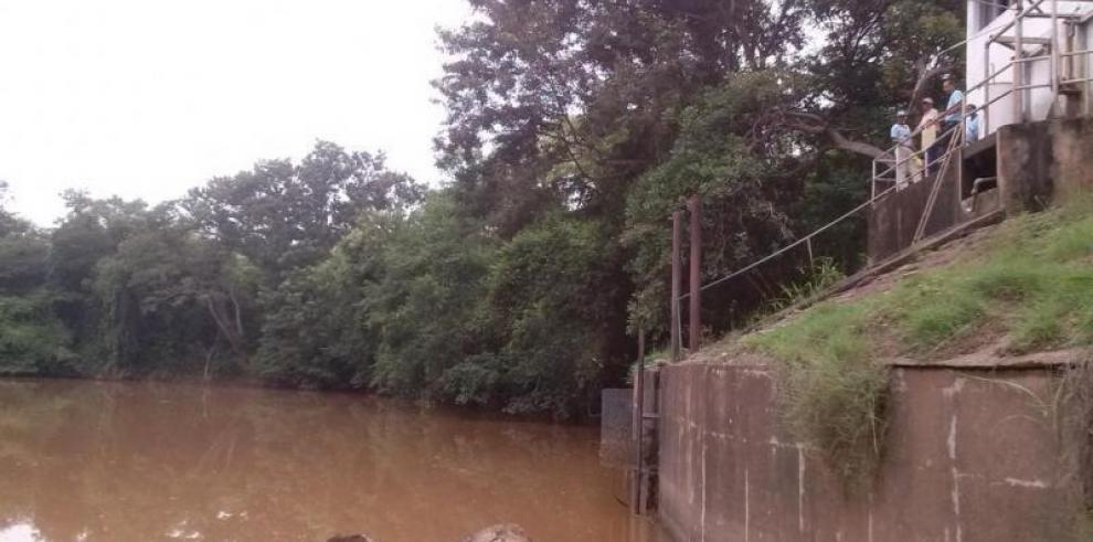 CENA aprueba partida para monitoreo del agua del río La Villa