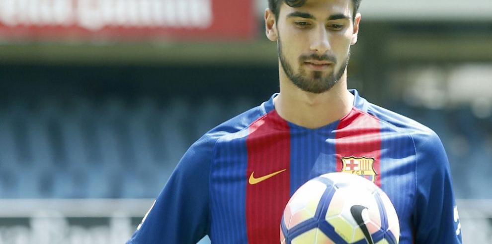 Barcelona presentó a Gomes, su nueva joya