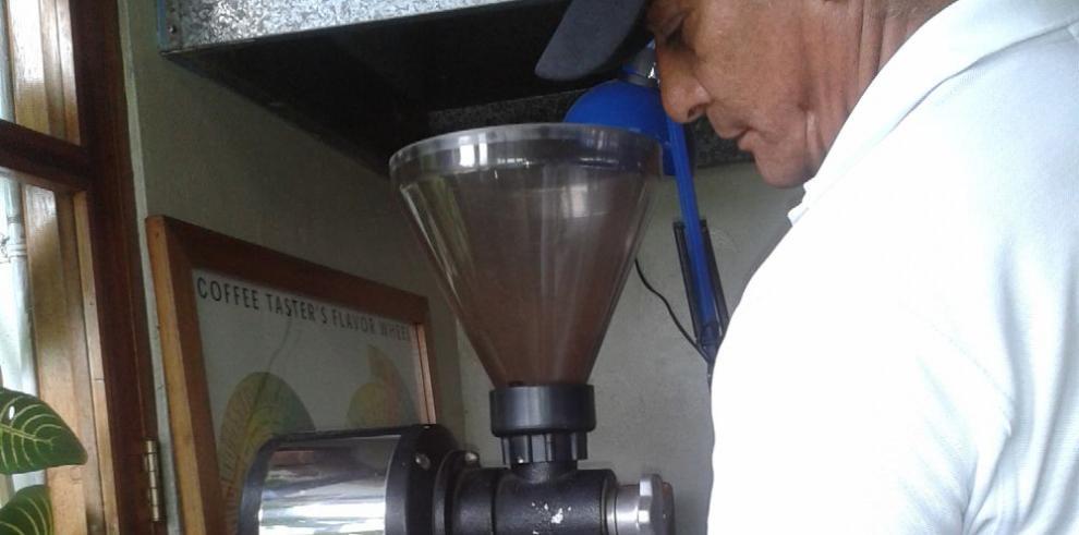 Panamá destaca en feria del café