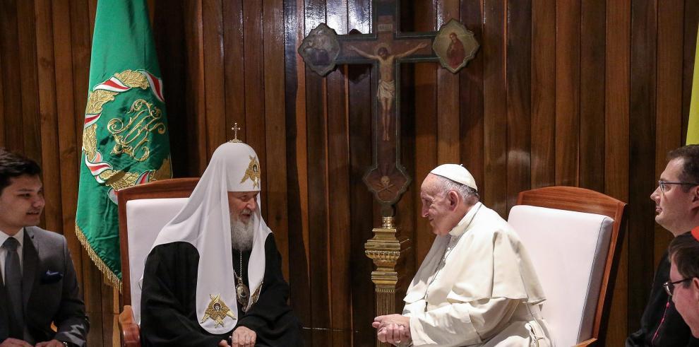 Francisco y Kirill, en cita más esperada del cristianismo en mil años