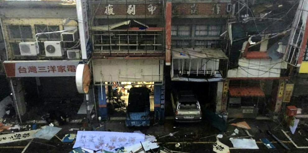 Tifón provoca evacuación e interrumpe transporte en este de China