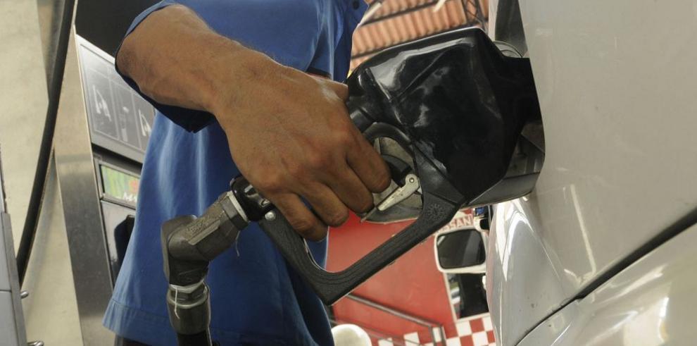 Petróleo disminuye 4.04% y cierra en $36,79