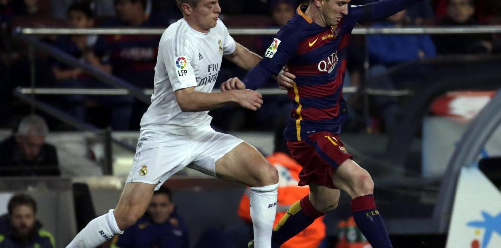 Real Madrid gana 2-1 en Barcelona en el Clásico de la Liga española