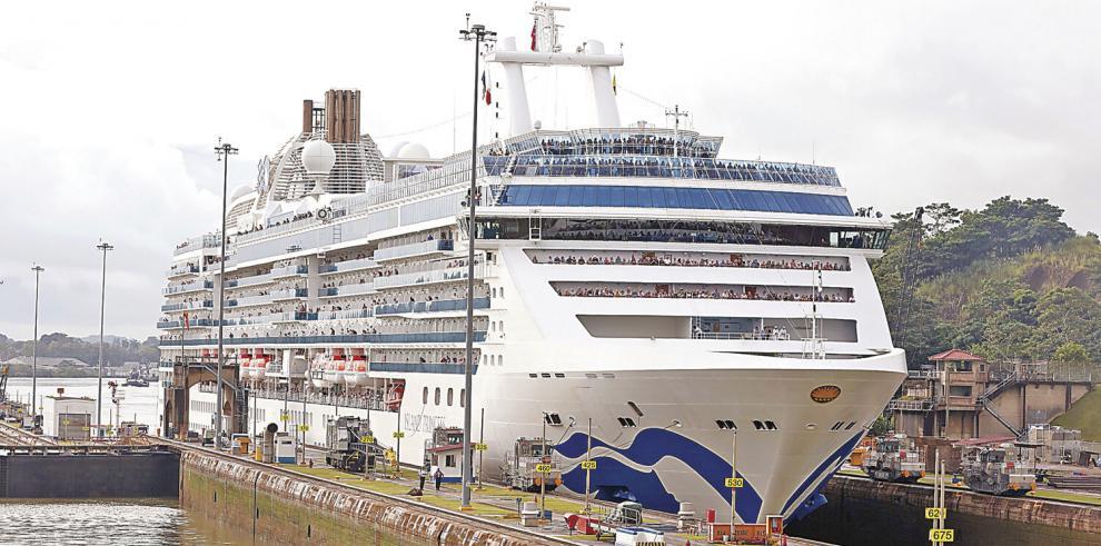 Arranca_la_temporada_de_cruceros_con_la_espera_de_258_transitos_por_el_Canal-0