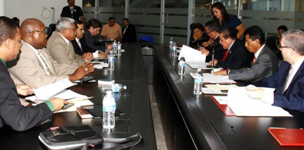 Diputados discuten propuesta de ley que regresa el IMA al MIDA
