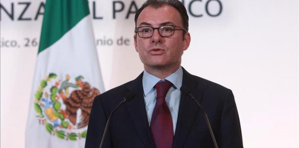 Ministro mexicano renuncia en medio de escándalo por visita de Trump