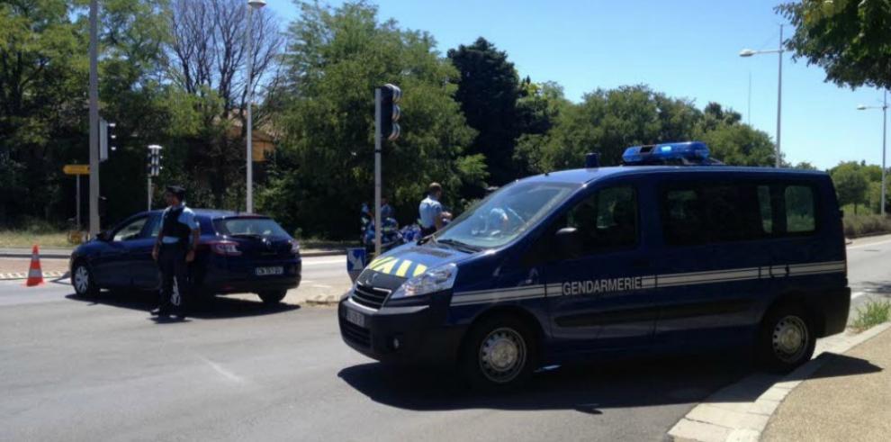 Un hombre armado se atrinchera en un hotel en Niza