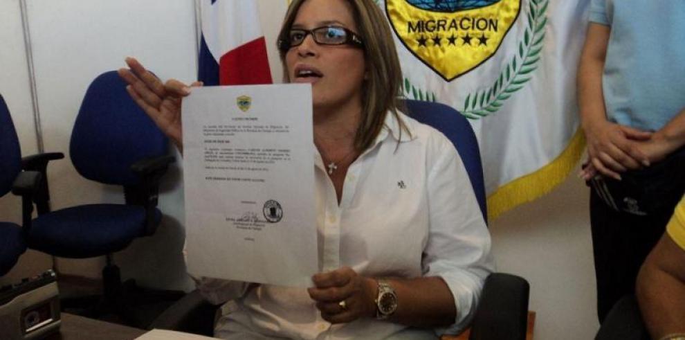 Fiscalía aplica medida de país por cárcel a exdirectora de Migración