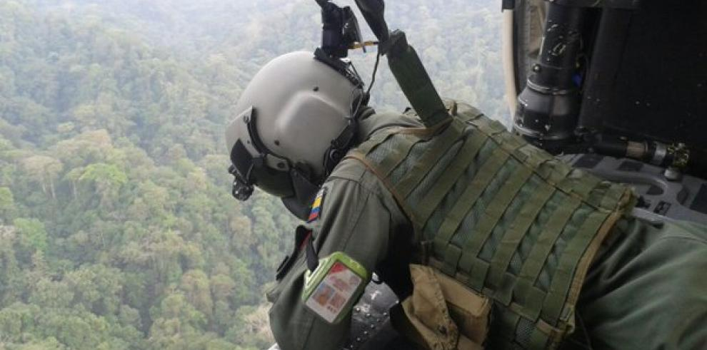 Hallan helicóptero desaparecido en Colombia con tripulantes muertos