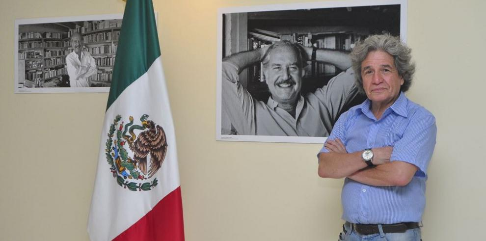 Muestra de retratos inéditos sobre Carlos Fuentes