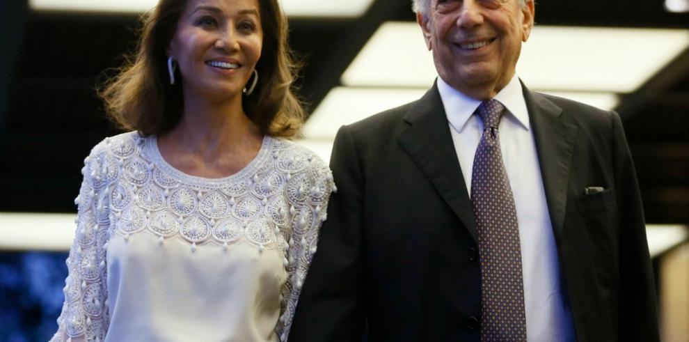 Cinco Esquinas, la nueva novela de Vargas Llosa