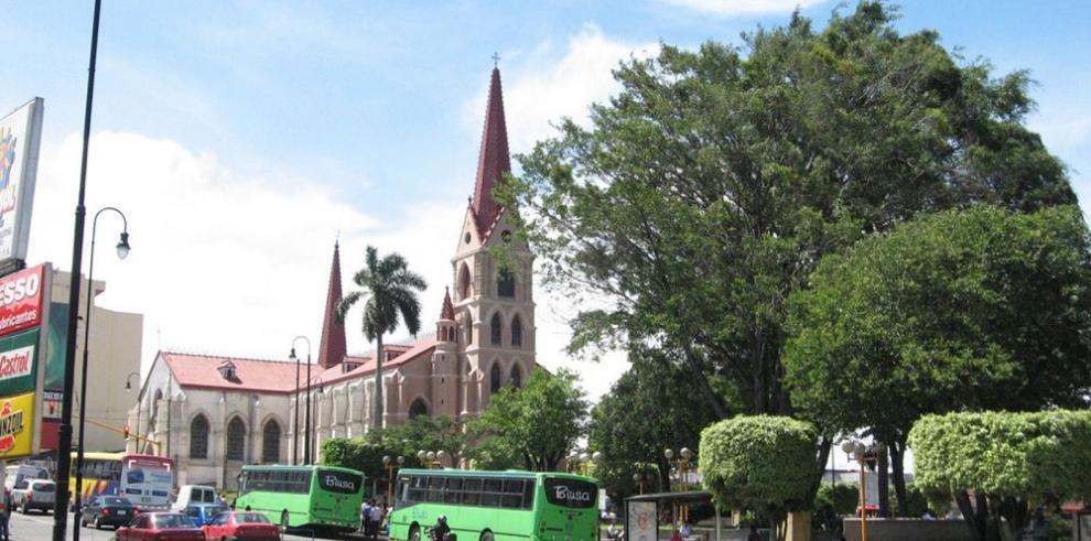 Inversión extranjera crece 3.7 % en 2015 en Costa Rica