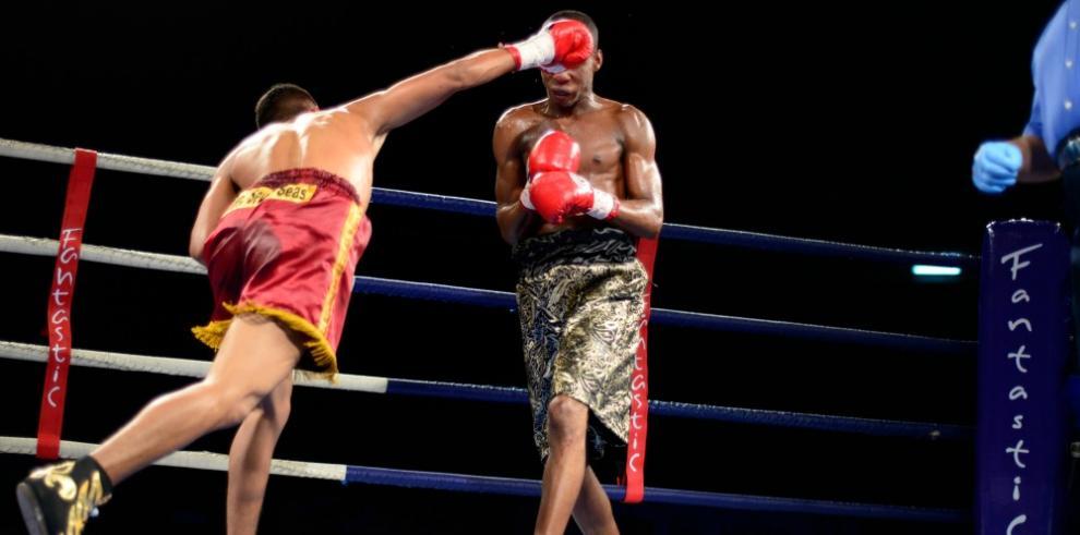 Boxeo profesional se toma el Casco Viejo